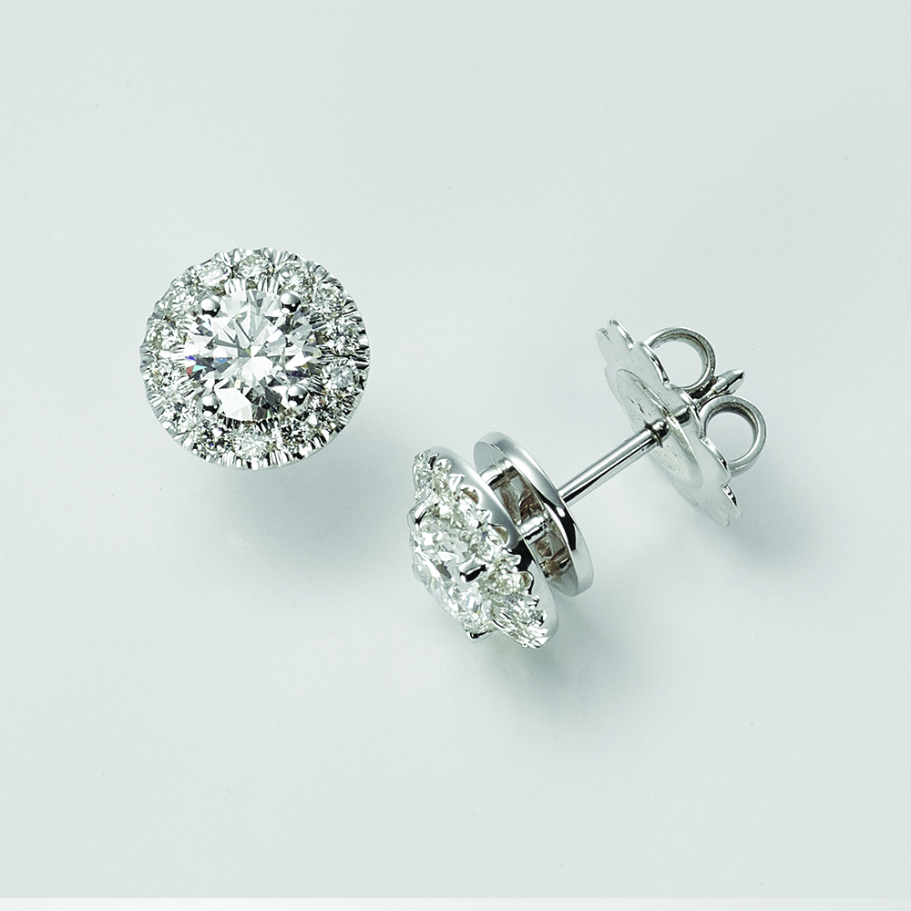 Earrings, 18ct white gold with Round Brilliant Cut Natural Diamonds - GIA Certified
