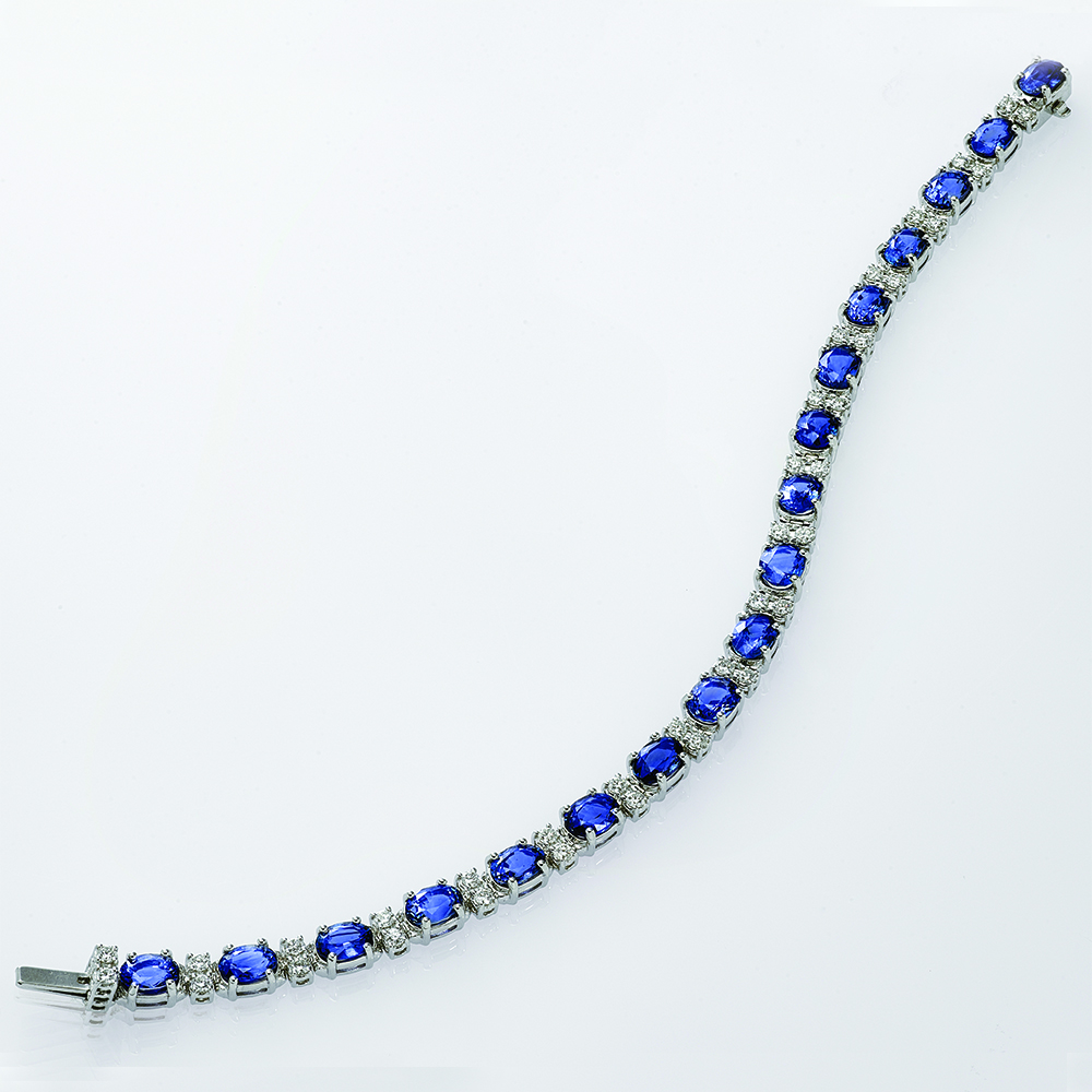 18ct white gold with Natural Diamonds and Blue Sapphires
