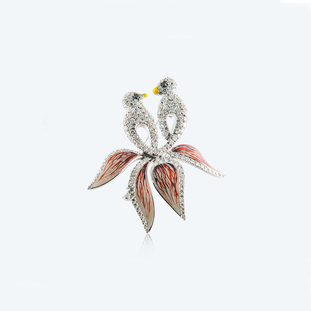 Broach, 18ct white gold with Natural Diamonds and Enamel