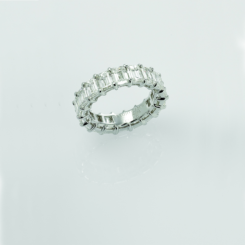 Ring, 18ct white gold with Baguette Cut Natural Diamonds